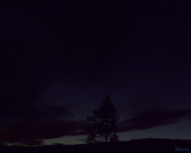 Mörk kvällshimmel 9, 9...